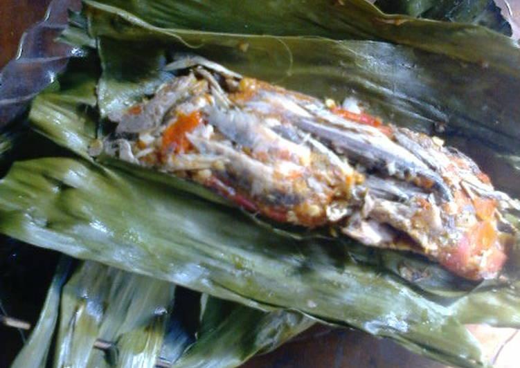 Cara memasak Pelas/pepes ikan tongkol suwir sedap