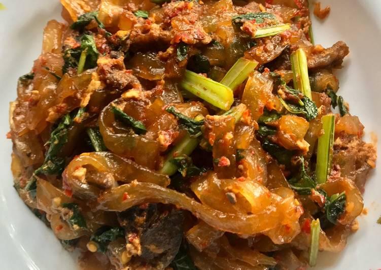 Cara memasak Mie tiaw goreng istimewa