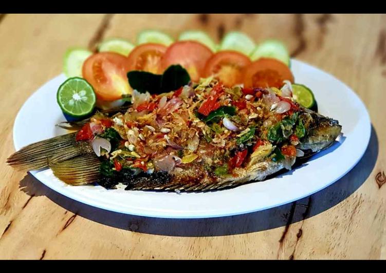 Resep: Ikan gurame bakar pecak yang menggugah selera