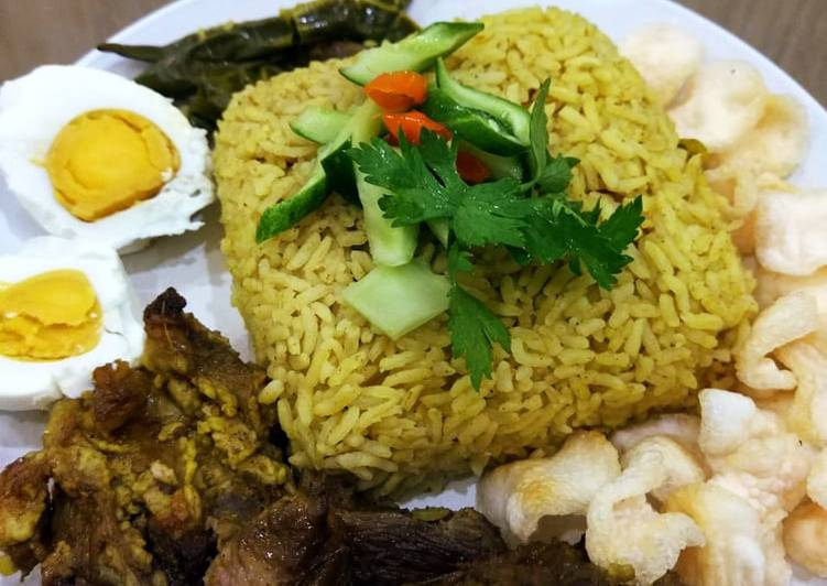 Resep: Nasi kebuli daging kambing simple sedap