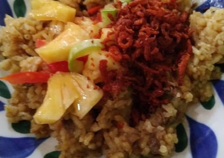 Nasi Kebuli Magic Com dengan acar India