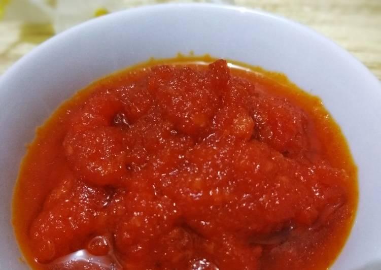 Cara mengolah Sambal Tomat Nasi Kebuli yang bikin ketagihan