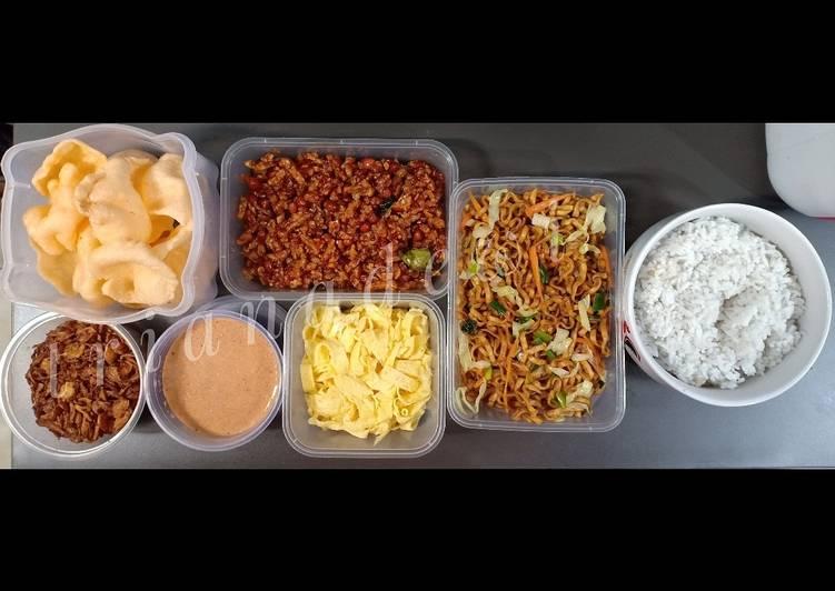 Resep: Nasi uduk magic com