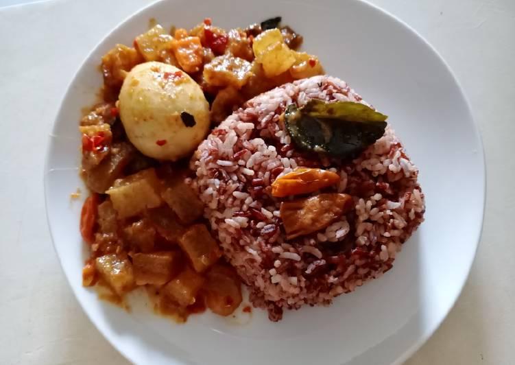 Nasi Merah Uduk Pedas Mantap
