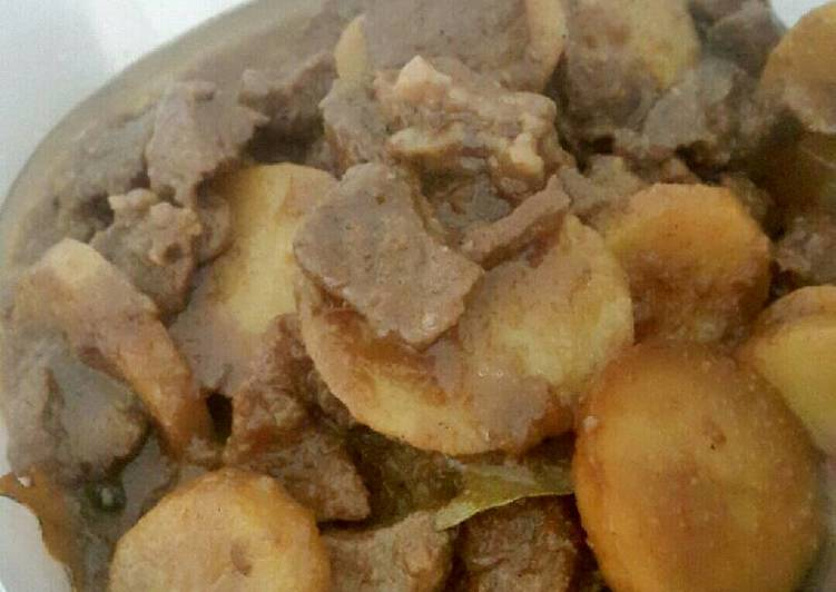 Resep: Semur Daging dan Kentang Betawi istimewa