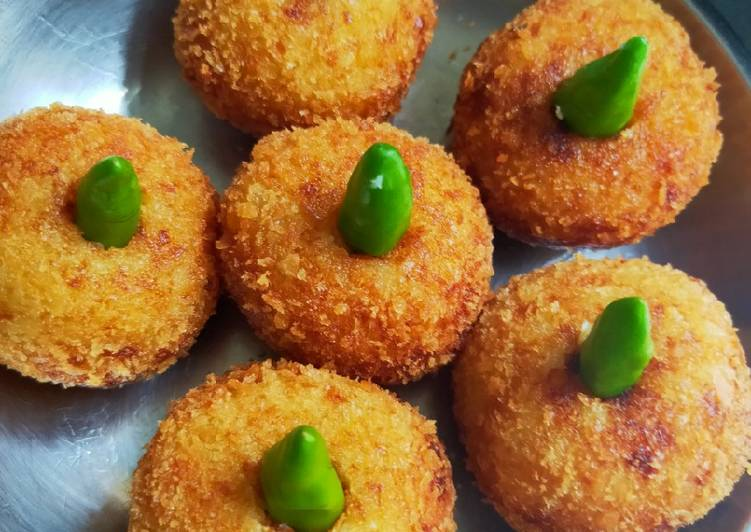Resep mengolah Kroket kentang isi ayam yang menggugah selera