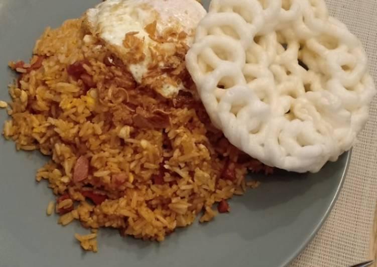 Resep membuat Nasi goreng gila. Enak dan mudah! yang menggugah selera