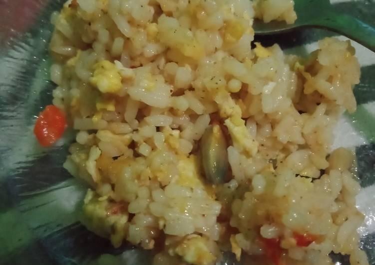 Resep membuat Nasi goreng gila yang menggugah selera