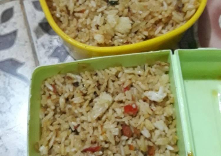 Cara Mudah memasak Nasi goreng gila istimewa