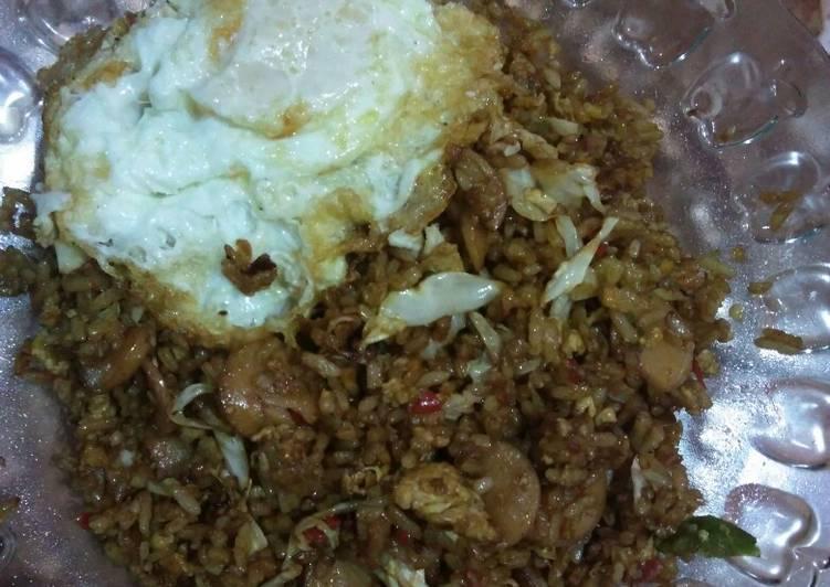 Cara membuat Nasi goreng gila istimewa