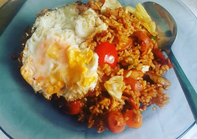 Resep: Nasi Goreng Gila a la Bumbu Indofood Nasi Goreng Pedas yang menggugah selera