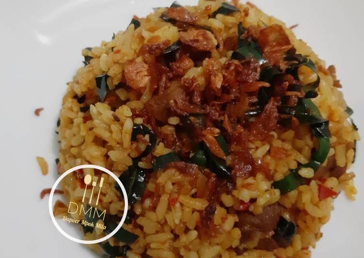 Cara memasak Nasi goreng kambing daun mengkudu sedap