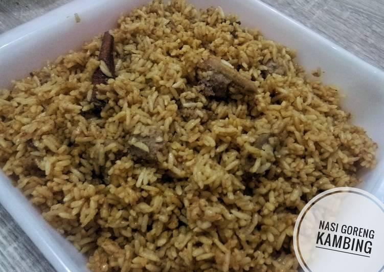 Cara mengolah Nasi goreng kambing ala kebon sirih enak