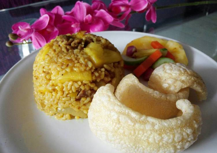 Nasi Goreng Kambing (bumbu rempah kebuli, plus nanas, ga bau embekk)