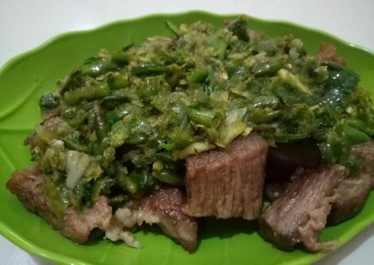 Resep membuat Daging gepuk sambel ijo