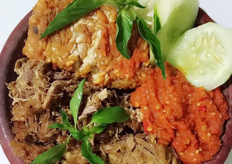 Cara Mudah membuat Empal daging gepuk penyet
