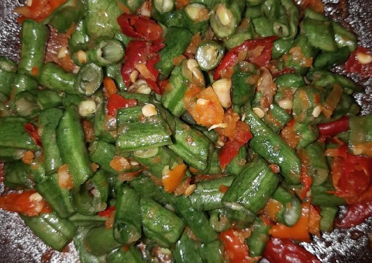 Karedok kacang panjang