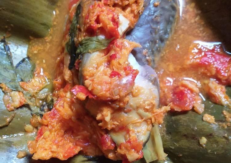 Cara Mudah memasak Pepes versi botok ikan mas yang menggugah selera