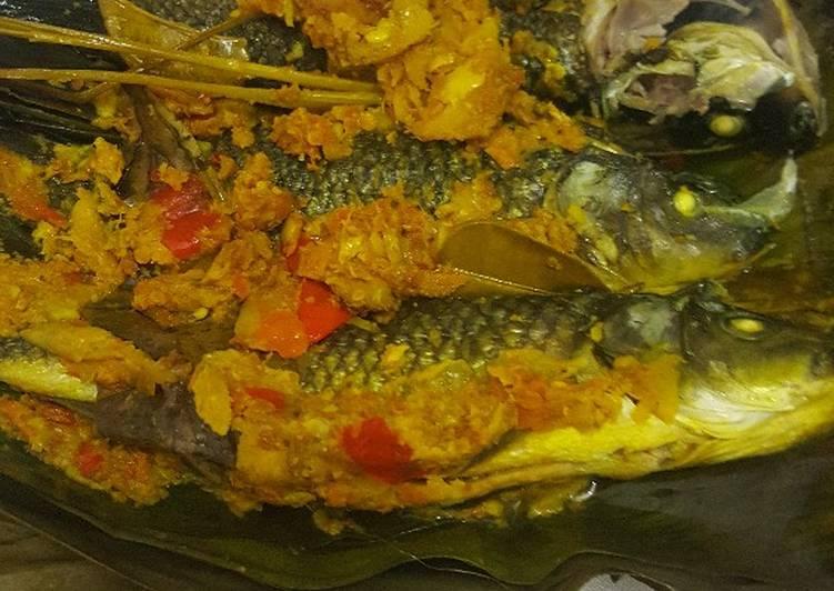 Cara Mudah memasak Pepes ikan mas istimewa