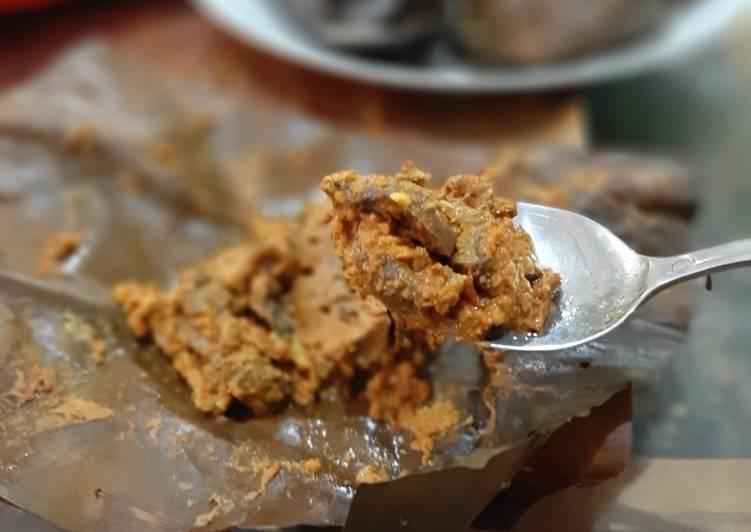 Pepes jamur merang pedas