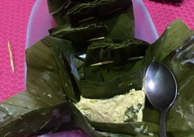 Cara memasak Pepes Jamur Tiram & Tahu ala resto