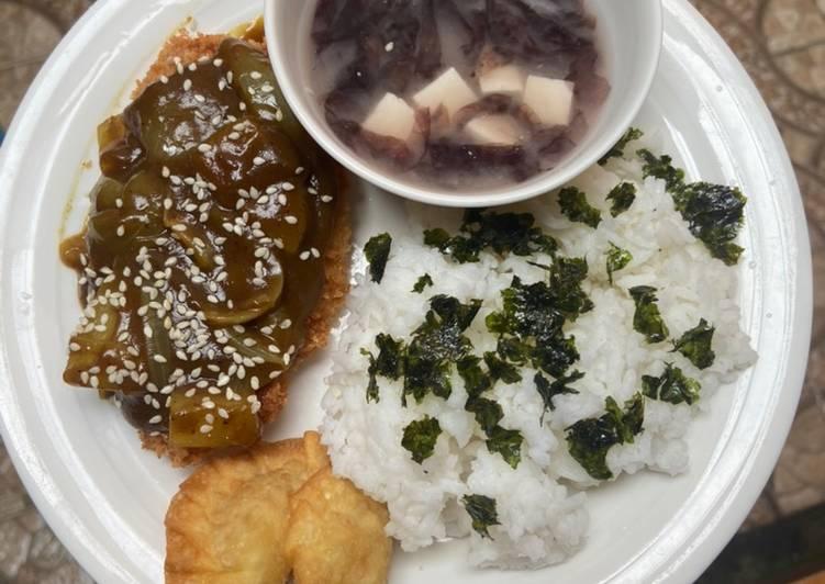 Chicken Curry Jepang + Miso Soup + Dumpling