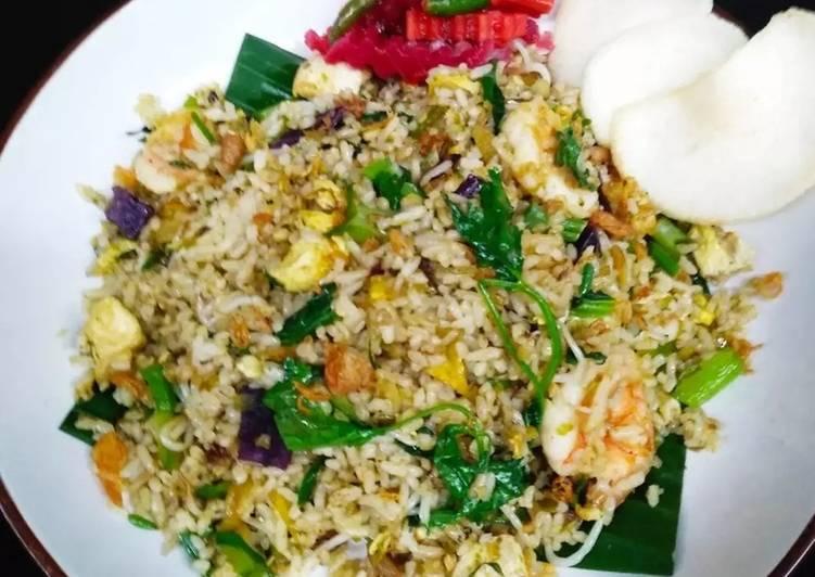 Cara membuat Nasi goreng udang cabe ijo yang bikin ketagihan
