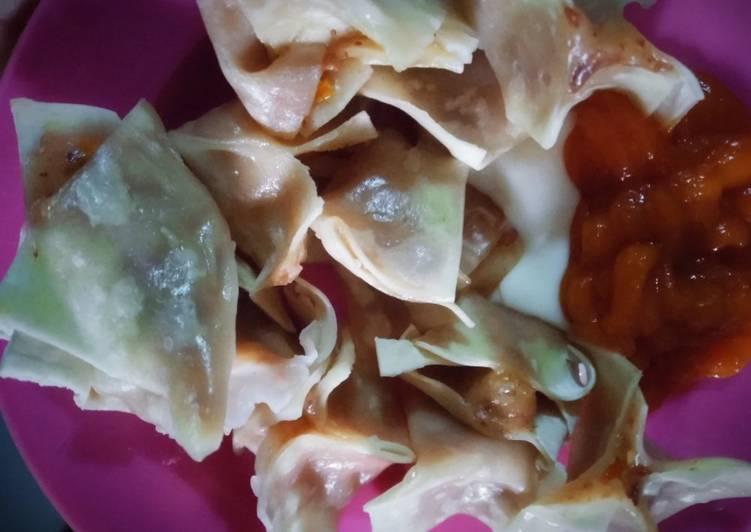 Cara membuat Siomay kornet sosis kulit pangsit ala resto