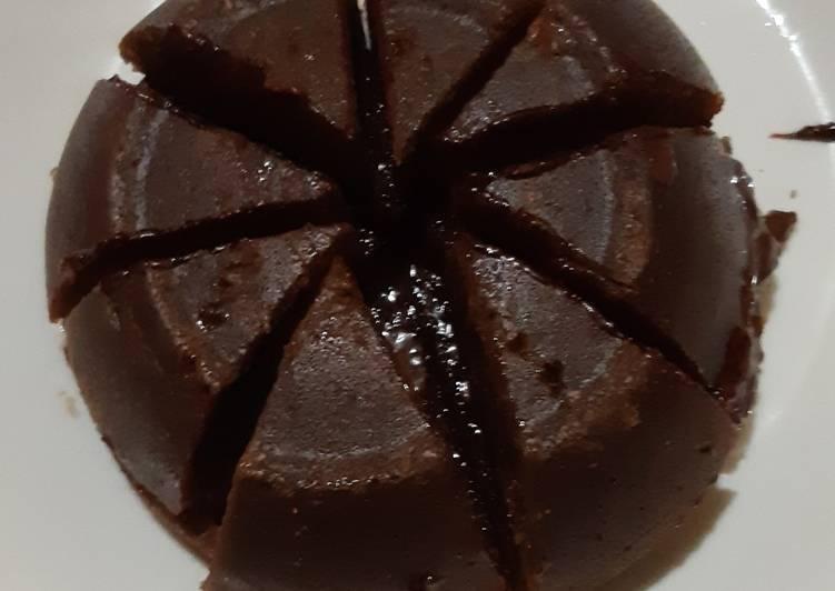 Cara memasak Brownies kukus mini isi coklat stroberi