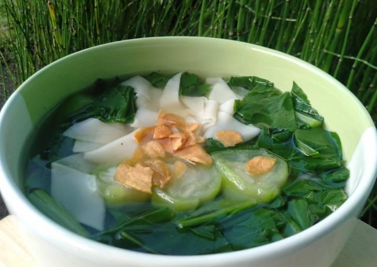 Resep: Soup Kulit Pangsit yang menggugah selera