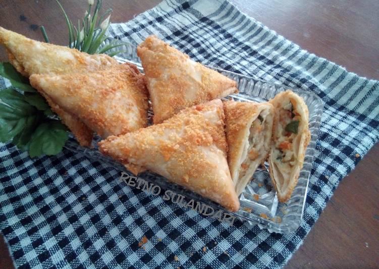 Resep membuat Ragout ayam (isian kulit pangsit)