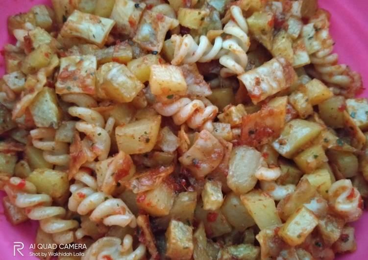 Cara memasak Balado Kentang + Makaroni + Kulit Pangsit yang bikin ketagihan
