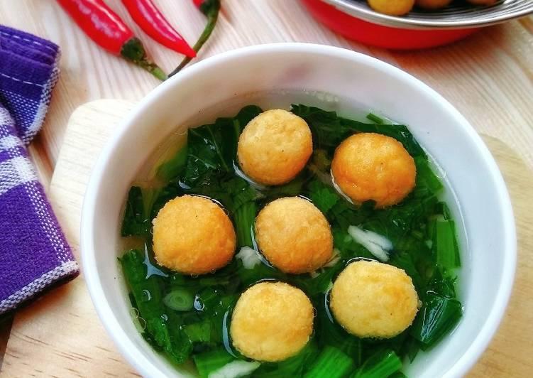 Sup Bakso Tahu Sayur Sawi