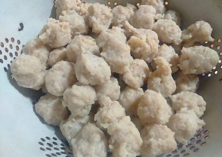 Resep memasak Bakso ayam homemade yang bikin ketagihan