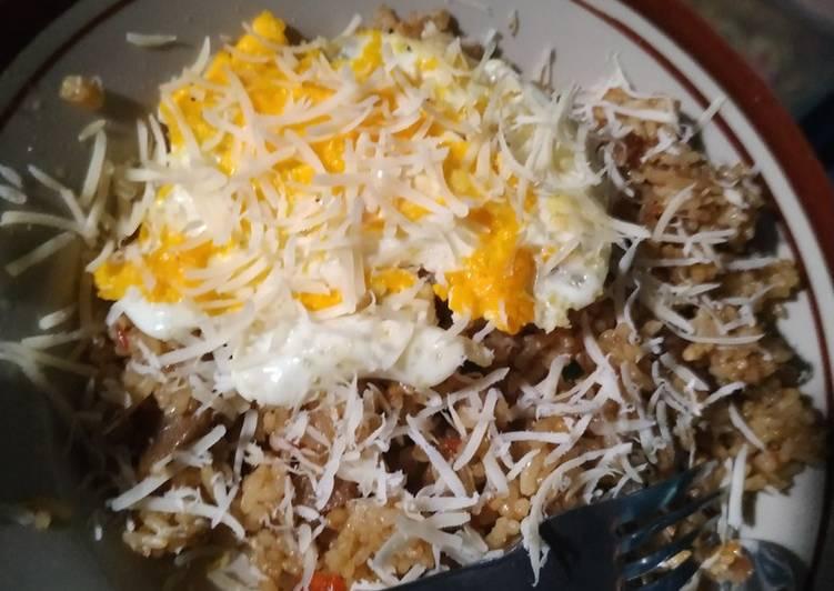 Resep: Nasi goreng bakso petis mix keju lezat
