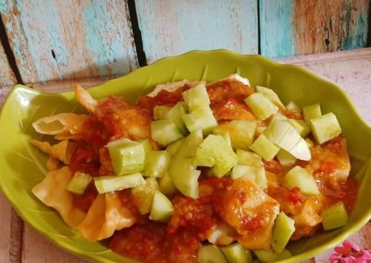 Resep: Batagor ayam dan saus kacang yang bikin ketagihan
