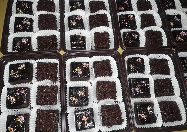 Cara Mudah mengolah Brownies kukus potong