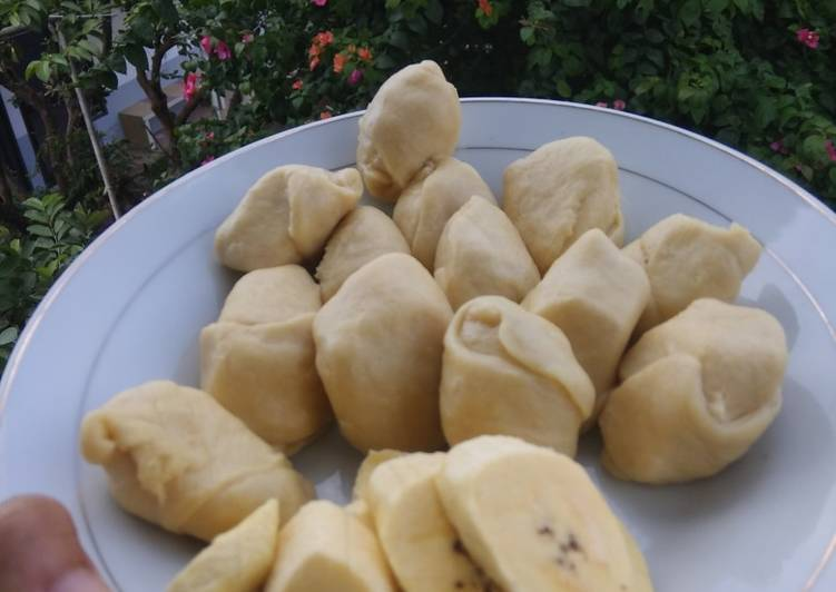Cara mengolah Molen pisang simple yang menggoyang lidah