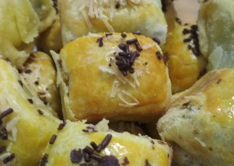 Resep: Bolen pisang coklat keju oven tangkring #stayathome sedap