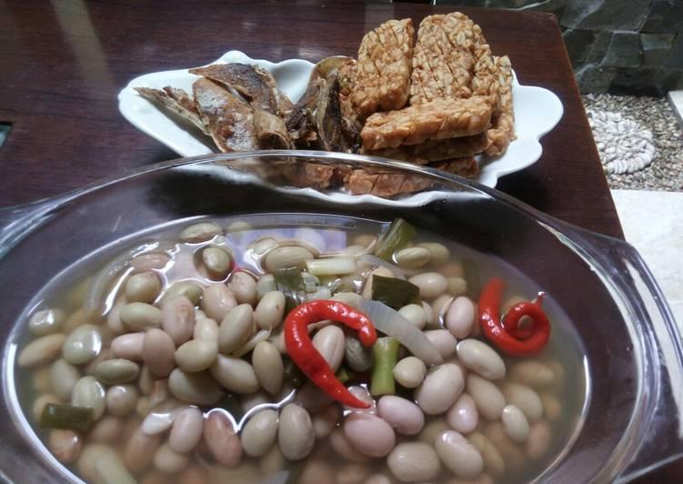 Sayur asem kacang merah