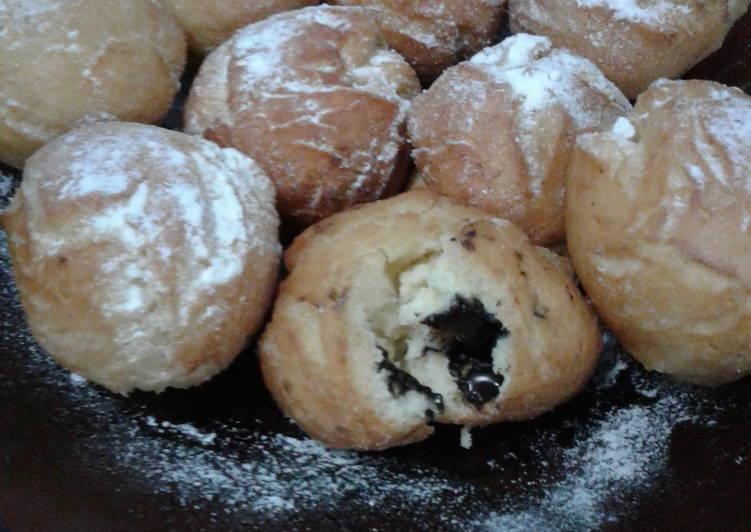 Cara Mudah mengolah Roti Goreng Ketawa Isi Coklat yang menggoyang lidah
