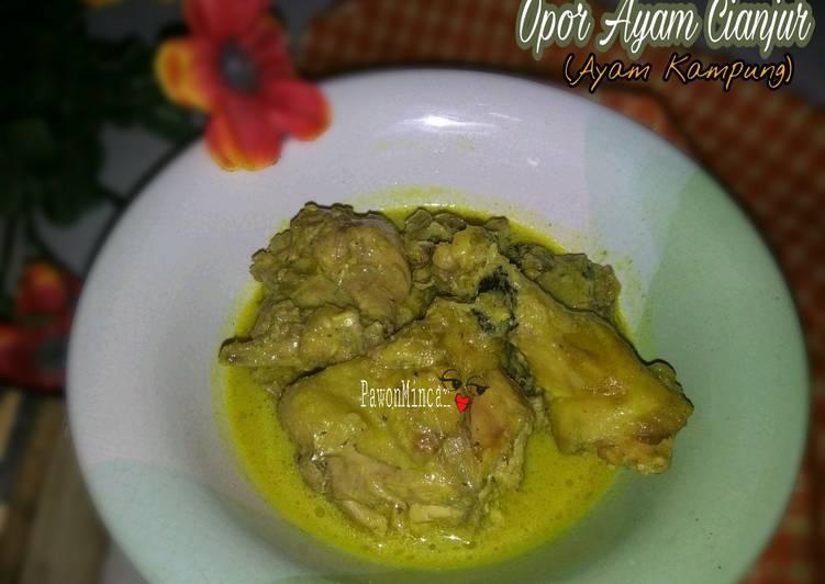 Opor Ayam Cianjur (Ayam Kampung)