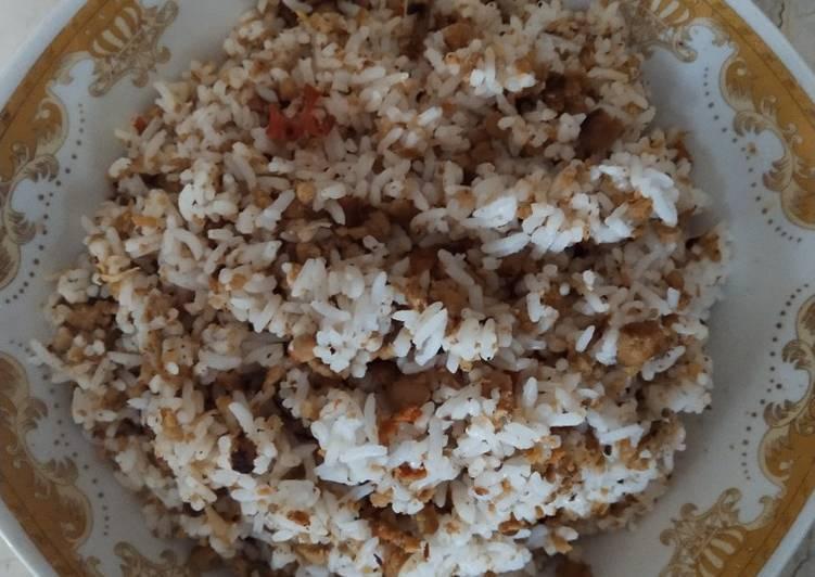 Cara Mudah memasak Nasi Tutug Oncom yang menggugah selera