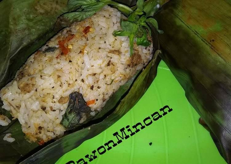 Resep membuat Nasi Bakar Tutug Oncom yang menggugah selera