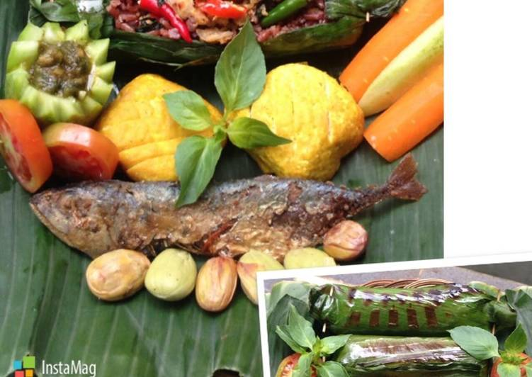 Resep membuat Nasi Bakar Komplit (Nasi Tutug Oncom Sunda) yang bikin ketagihan