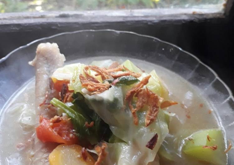 Cara mengolah Sop Ceker Ayam ala resto