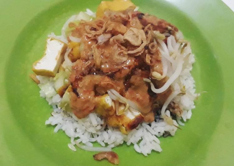 Cara Mudah mengolah Nasi Lengko yang bikin ketagihan