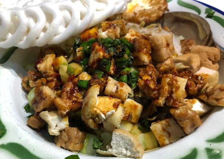 Resep: Nasi Lengko yang bikin ketagihan