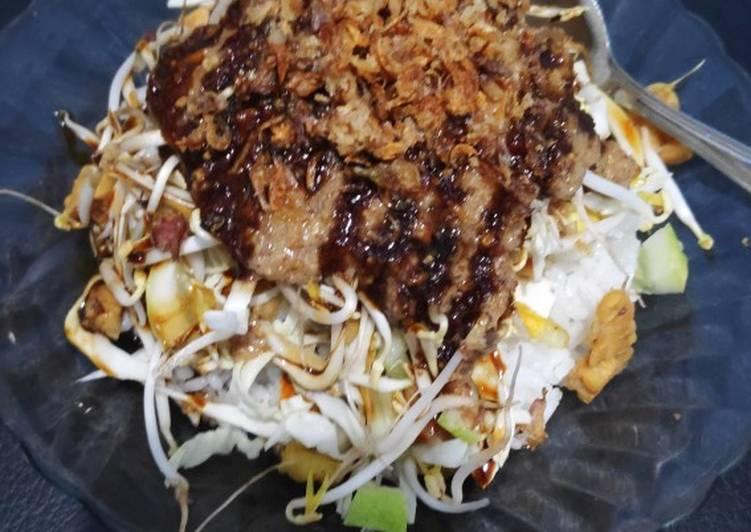 Cara mengolah Nasi lengko T4k (tempe tahu timun tauge kubis) yang menggugah selera