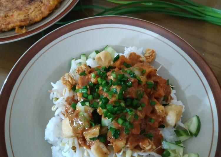 Resep mengolah Nasi Lengko yang bikin ketagihan